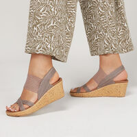 Sandalia Skechers Cali: Beverlee - High Tea para Mujer