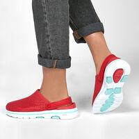 Sandalia Skechers Cali Gear: Go Walk 5 - Asombrado para Mujer